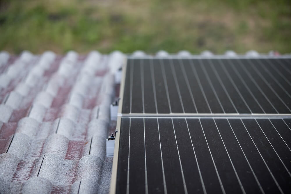 Cleaning Rooftop Solar Panels